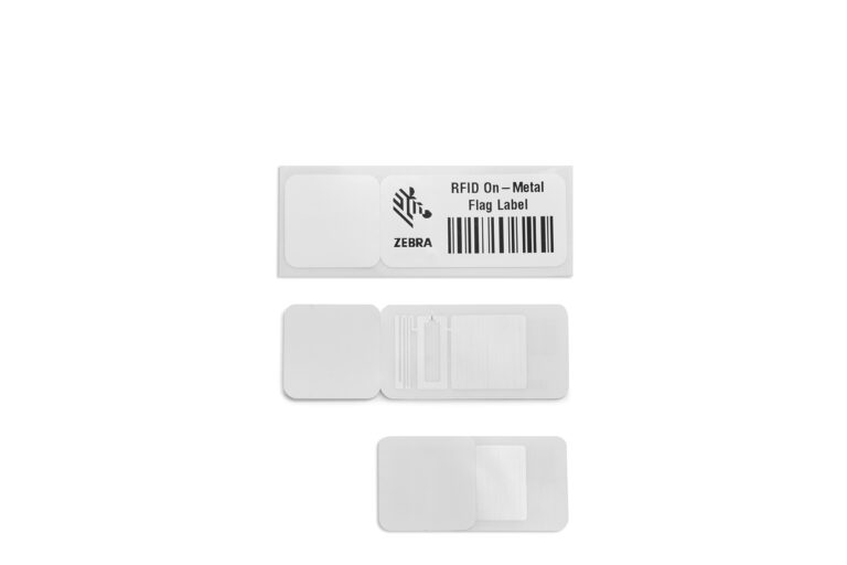 rfid-on-metal-flag-label-product-photography